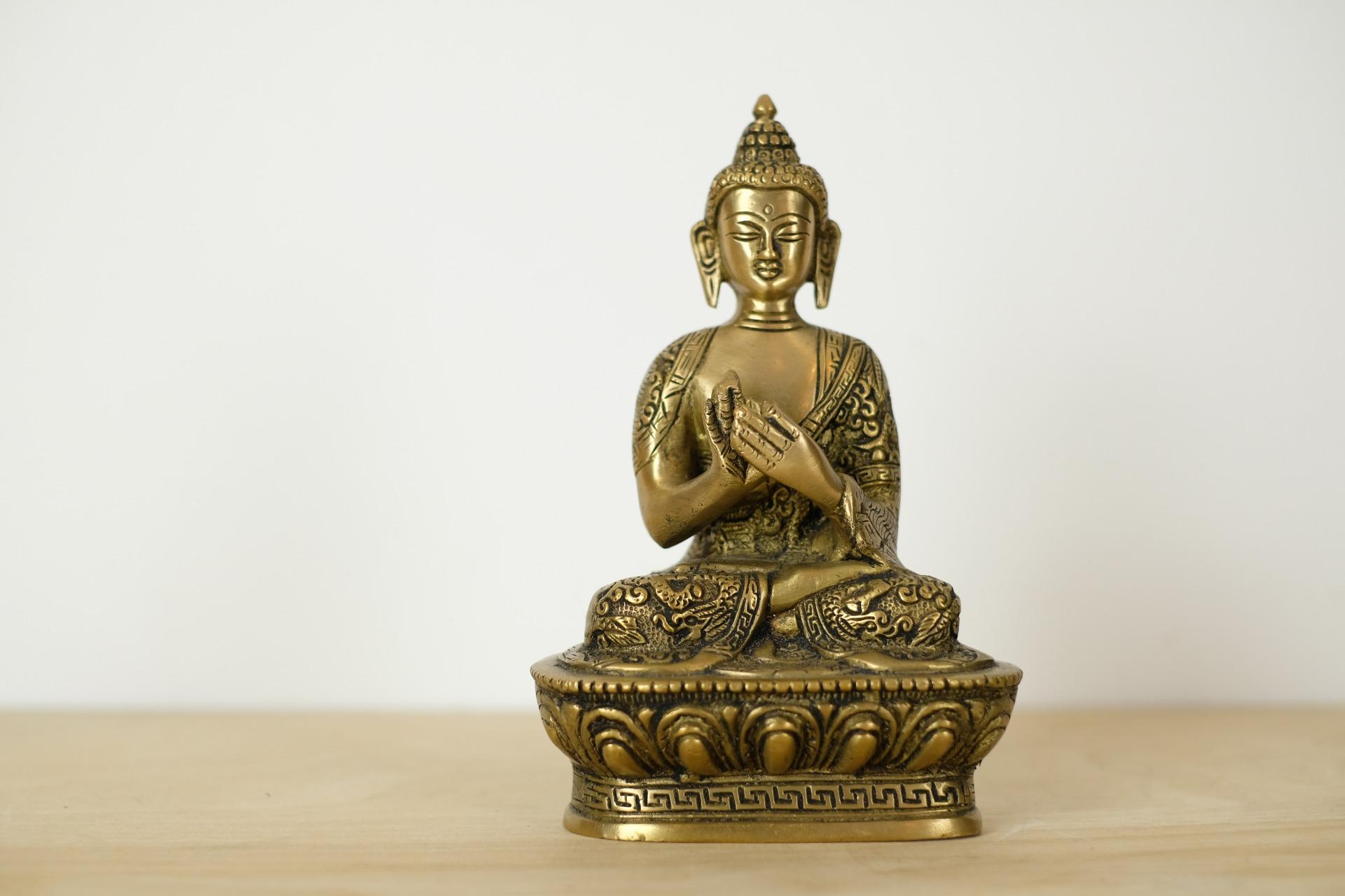 buddha-statue-messing