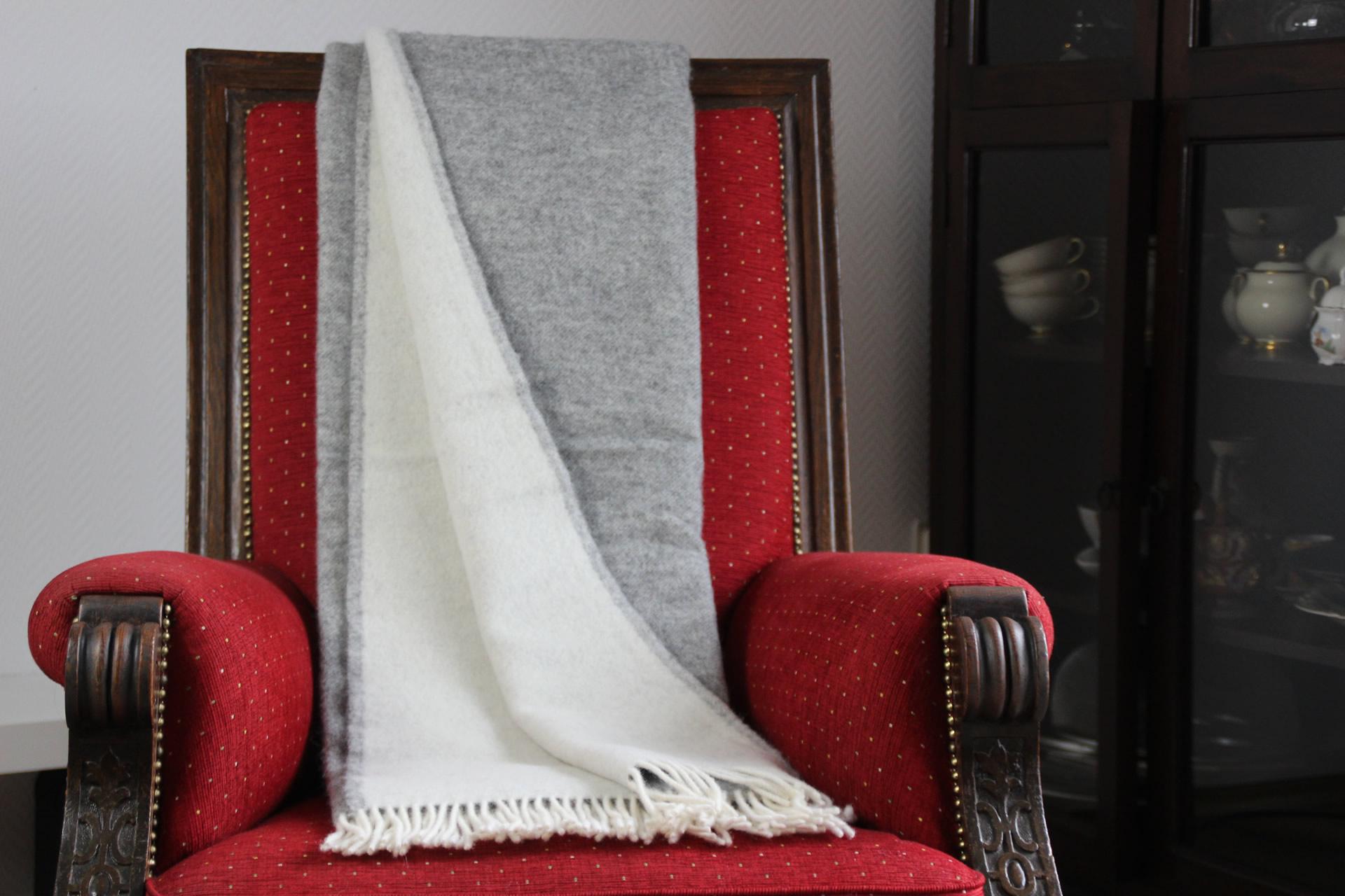 Wolldecke Steingrau-weiß